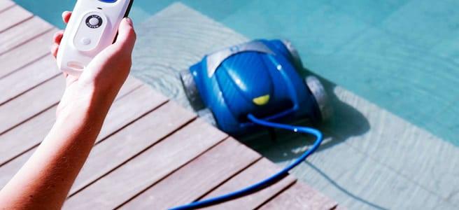 Robot per pulire la piscina